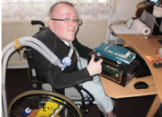 Udělejte radost Davidovi na vozíku. Pošlete mu angličáka