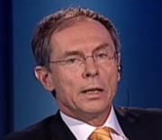 Prof. Švejnar poučuje vládu: Růst ekonomiky a výše DPH jsou spojené nádoby