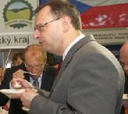 Blesk.cz: Levná bašta na vládě, přejme jim to
