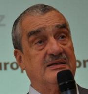 Schwarzenberg natvrdo: O guvernérovi ČNB bych se radil s Kalouskem