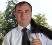Kamufláž syna pražského místostarosty: Aby získal byt, udělal ze sebe sociální případ