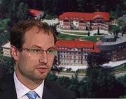 Heger zasluhuje interpelaci: Protekční Farského nemocnice v Semilech ničí turnovskou