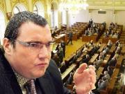 VV proti půjčce MMF, ČR má svých problémů dost. Guvernér ČNB vysvětlil rizika