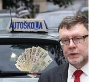 Účelová manipulace: Stanjurova odpověď je maskování, byznys pro vyvolené autoškoly se blíží