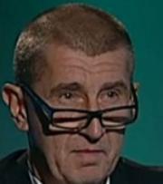 Skvělá koalice: Zemanův podpis ještě neuschl a Babiš už paralyzoval Chovance